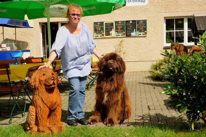 "Frau Hornauer mit Hund ""Mon Egoiste"""